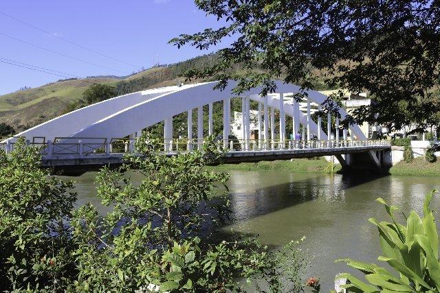 foto de ponte em queluz