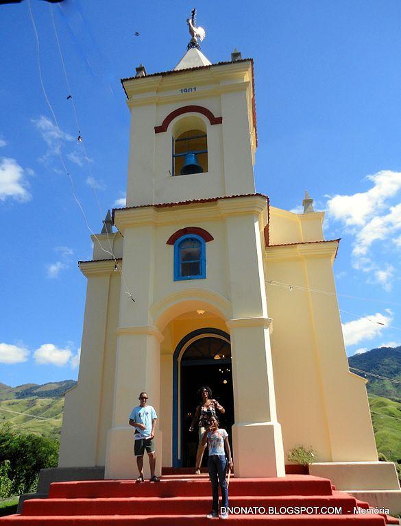 imagem: Igreja de Santana em Miguel Pereira
