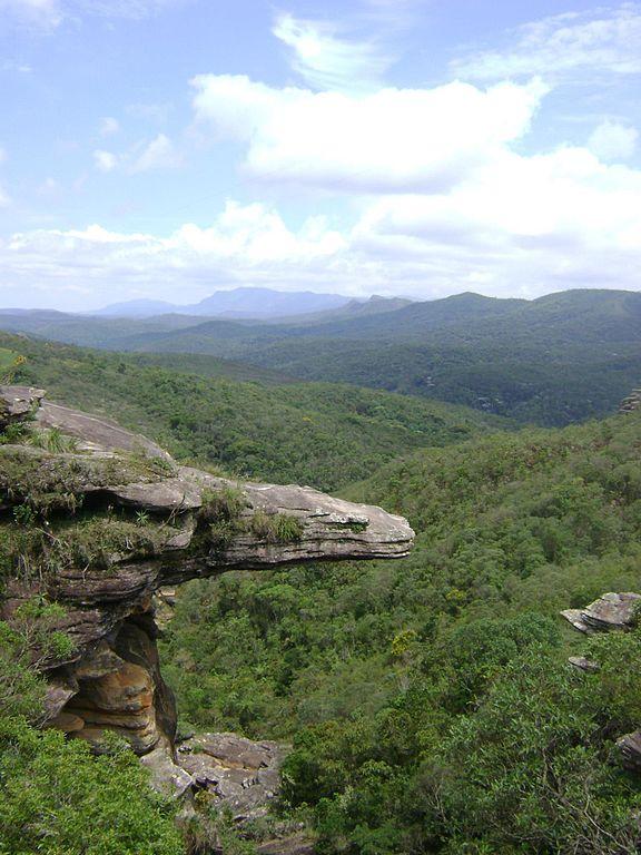 Antonio Pereira Parque das Andorinhas Pedra do Jacare