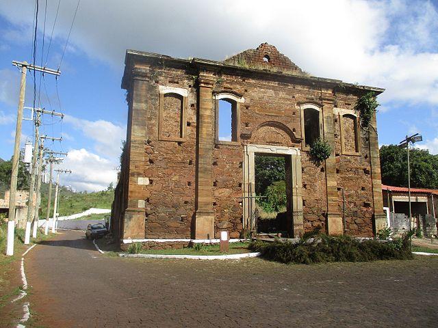 antonio pereira igreja queimada